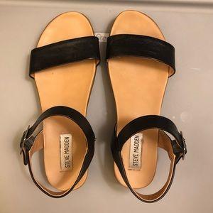 35cb42cc40 Steve Madden Shoes - Steve Madden Aida Platform Sandal 7.5
